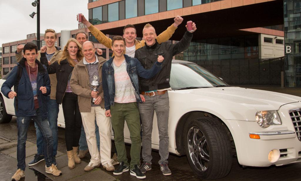 Bizzkidz 2015 1e prijswinnaars Limo-bewerkt